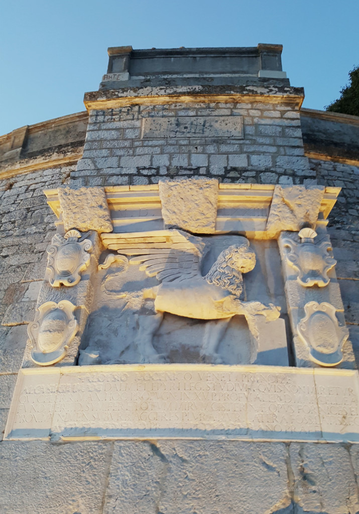 Zadar; vom Sonnengruß und Meeresmusik