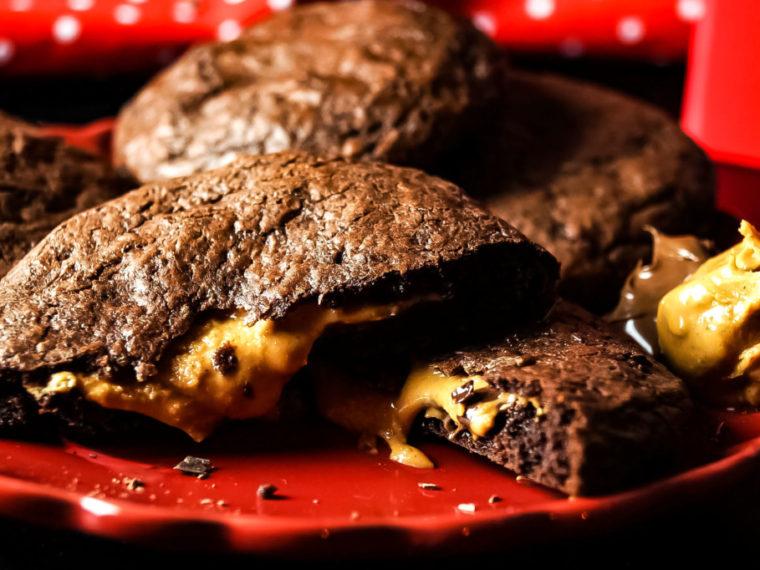 Chocolate Chip Cookies mit Erdnussbutter-/Nutella Füllung
