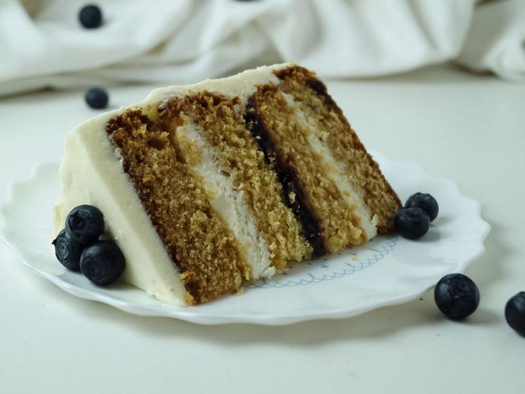 Blaubeer-Buttermilch-Torte